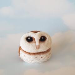 Owl ornament, barn owl, wool bird sculpture. Eco friendly home decor.