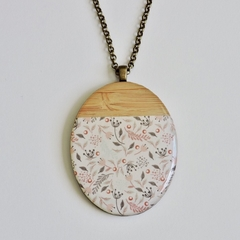 Bamboo Oval Autumn Leaves Pendant Necklace