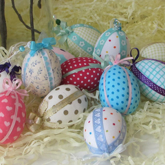 12 Decorated Easter Eggs