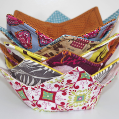 Padded Soup Bowl/Hot Food Cosy. Suitable For Microwave. 12 Designs