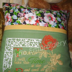 """Smell the Red Roses"" Reading/Pocket Cushion Cover"