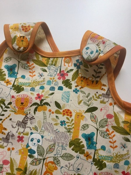 Girl's Wrap Apron/Smock, Jungle Print. Size: 3 Years.