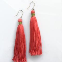Crimson tassel dangles