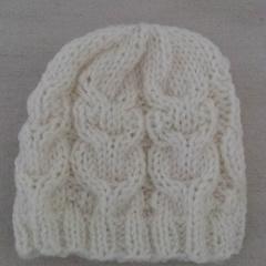 Pure wool, hand knitted Newborn / Preemie baby Beanie, cream.