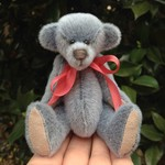 Jamie - a miniature collector's bear - sassy fur