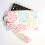 Wristlet pouch with removable strap in floral cotton