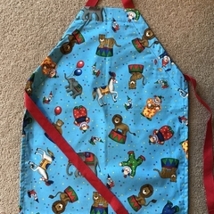 Kid's adjustable apron - circus animals  ages 5-10