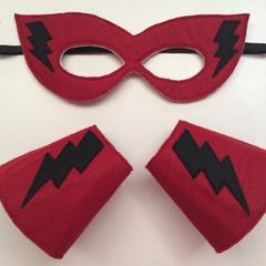 ~ Superhero Set - READY TO POST ~ Mask & Cuffs ~