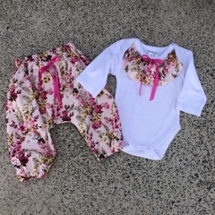 Pretty harems and onesie set, baby girls outfit.