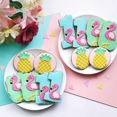 FIRST BIRTHDAY COOKIE GIFT // FLAMINGO COOKIES // FIRST B'DAY COOKIES