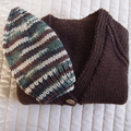 SIZE 3-4 :Hand knitted cardigan (dark brown) and beanie : Boy, washable