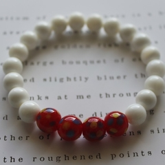 Glass & Clam Shell Beaded Stretch Bracelet