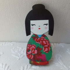 Green & Red Japanese Doll Brooch