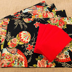 GIFT SET: 4 Placemats  Kimono Fan Black & 4 Dinner Napkins in Red.