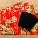 GIFT SET: 4 Placemats  Kimono Fan Red & 4 Dinner Napkins in Black.
