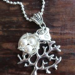 Bird Nest Necklace - White