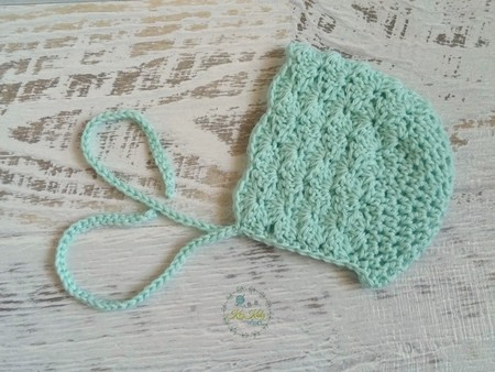 Vintage Mint Hand Crocheted Newborn Baby Bonnet Beanie Hat Photo Prop
