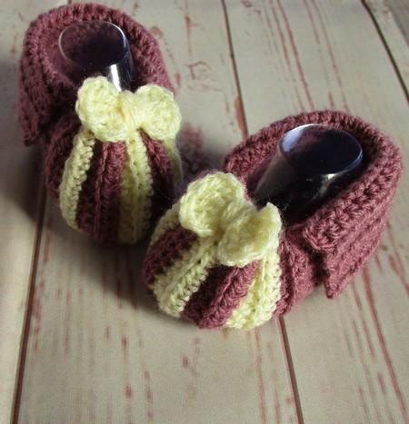 Crochet baby booties, newborn slippers, pregnancy announcement, purple and cream
