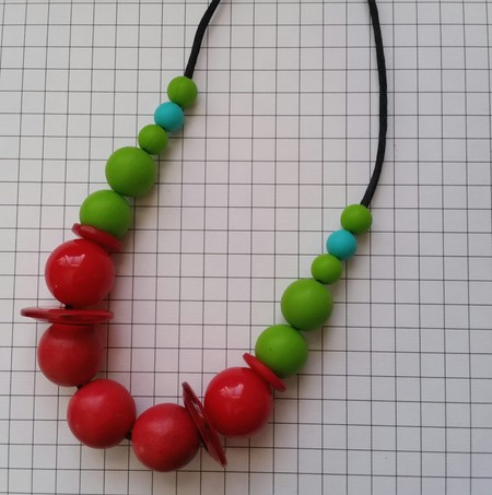 Silicon and wood necklace
