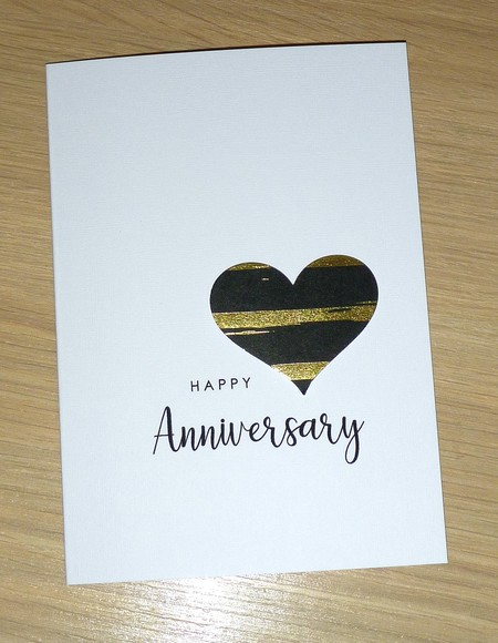 Happy Anniversary  Card - black and gold heart