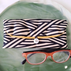 PADDED POUCH - BLACK × BEIGE - LINE / Glasses case