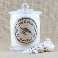 By the beach, soy wax candle has a summer fragrance