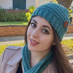 Keyhole Scarf And Beanie Set
