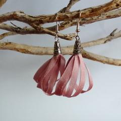 Dusky pink ribbon earrings