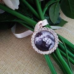 Custom Round Rhinestone Wedding Bouquet Photo Memory Charm Bridal Party Gift Kee