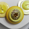 Yellow Button necklace - Mellow Yellow