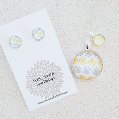 Necklace and Earrings gift set.
