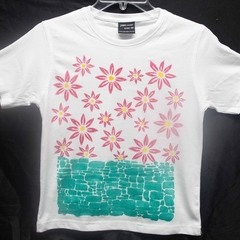 "Size 6 White 100% Cotton T-Shirt ""Flower Garden"""