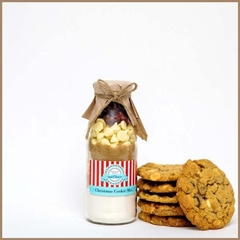 CHRISTMAS Cookie Mix in a bottle. SMALL - makes 6 large cookies
