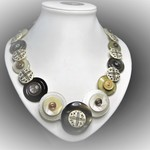 Button necklace - Coffee 'n' Cream