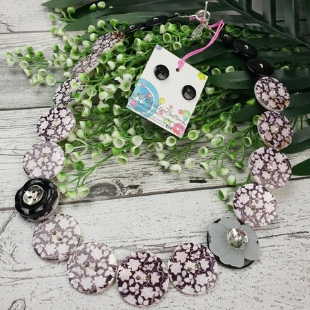 Daisies- Black and White Pearl Button Necklace - Earrings