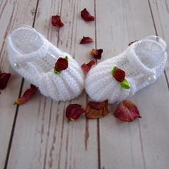 Crochet baby booties, baby shoes, pregnancy announcement, white with red rose