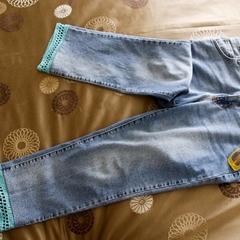 Retro style crochet trim jeans