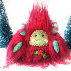 "Christmas plush yeti artist bear, Special Edition: ""Holly"""