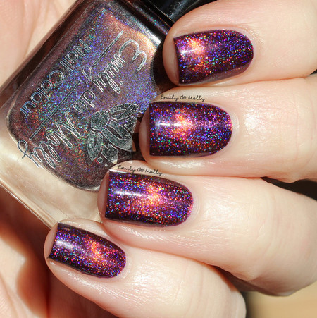"""Nail polish - """"Dormant Fractures"""" A dark purple holo with a copper magnetic effe"""