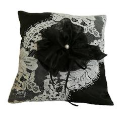 Ring Cushion  -  Fleur Noir