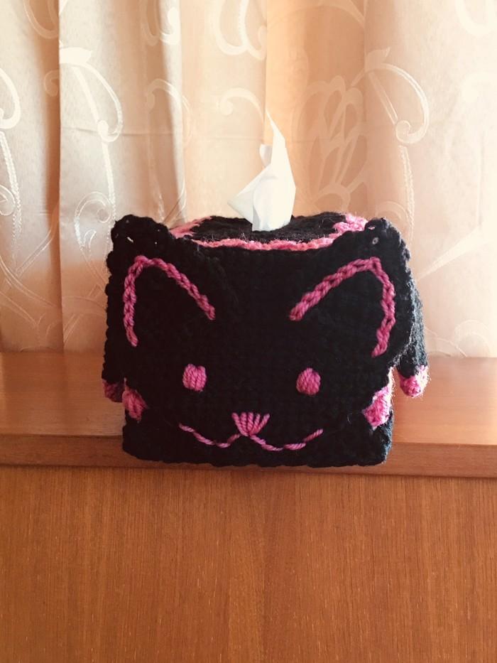 Psy And Thai's Kitty Cozy (Crochet) - Lion Brand Yarn | 933x700