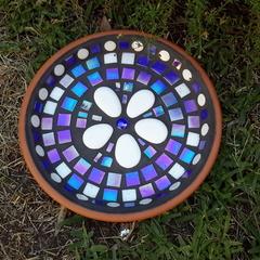 Mosaic garden bowl/birdbath