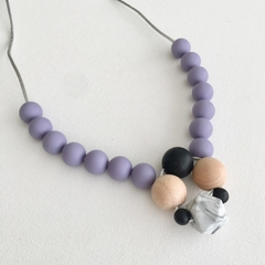 Silicone and wood nursing necklace: Lavender and marble pendant style