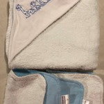 INCL POST Blue Giraffe Family Hooded Towel with Bamboo and Poly Terry Cloth