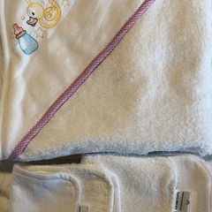 Fun Nursery Design Embroidered Hooded Towel with Bamboo & Org Cotton Terry Cloth