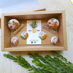 Orange Retro Flowers Magnet Gift Box Set