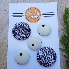 Black & White Flat Magnet Set