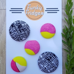 Black & Pink Flat Magnet Set