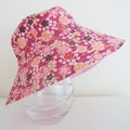 Girls size medium hat in floral fabric- ready to post
