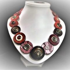 Button necklace - Sparkling Shiraz